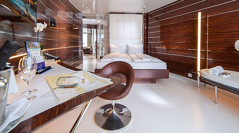 yacht kabine therme erding. Black Bedroom Furniture Sets. Home Design Ideas
