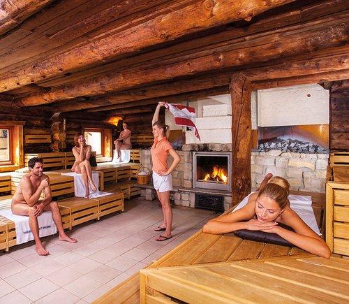 Vielfältige Saunawelt der Therme Erding